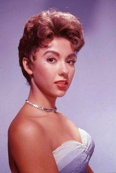 Vintage Glamour Girls: Rita Moreno