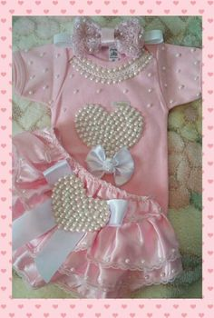 New Knitting Christmas Patterns Crochet Slippers Ideas - knitting christmas Baby Girl Birthday Dress, Baby Girl Dresses, Baby Dress, Fashion Kids, Baby Girl Fashion, Fashion Clothes, Baby Bling, Cute Baby Girl, Trendy Baby