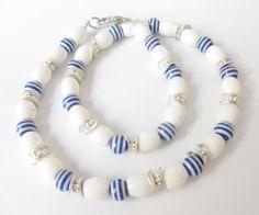 Koralle - Schaumkoralle-Kette maritim weiß-blau-silber - ein Designerstück von…