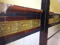 #WestEnd of #Glasgow   #Scotland #tenement #tiles #wallyclose #vintage #design #architecture #ceramic #patterns