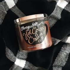One of my favorite scents from bath and body works hot cocoa and cream Bath Body Works, Autumn Aesthetic, Christmas Aesthetic, Marshmallows, Cream Baths, Autumn Cozy, Autumn Fall, Perfume, Fall Candles