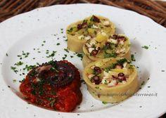 i sapori del mediterraneo: Strudel salato (strucolo) con polpo e patate novelle, accompagnato dal sugo alla marinara
