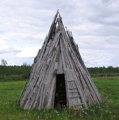 Lapp wooden shelter |