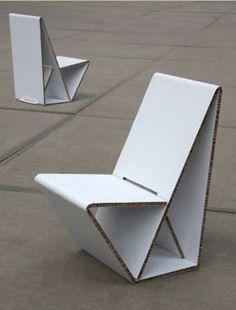 Model: Vouwwow 01 - Ontwerper/merk: Cartoni Concepts - Herkomst: Nederland - Materiaal: Honingraat karton - Prijs: € 175,-