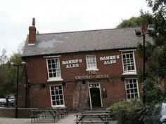 The Crooked House Pub in Staffordshire UK