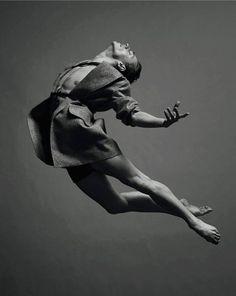 (2) Dancers Over 40 - タイムラインの写真
