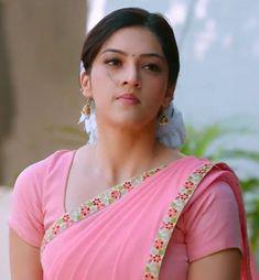 Beautiful Bollywood Actress, Most Beautiful Indian Actress, Beautiful Actresses, Cute Beauty, Beauty Full Girl, Beauty Women, Beautiful Girl In India, Beautiful Girl Photo, Beautiful Saree