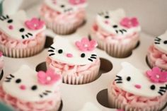Hello Kitty cupcakes via Www.swellcakeshop.com #CupcakeCrown