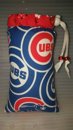 Check out this item in my Etsy shop https://www.etsy.com/listing/493370589/hand-pipe-sized-medium-sized-padded-cubs