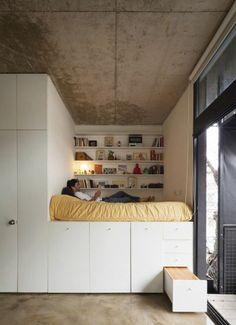 lit avec tiroirs de rangement en bois beige, comment choisir le meilleur lit pour une chambre a coucher