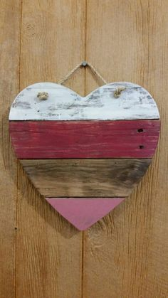 Welcome guests with this adorable Pallet Heart sign. Made from wood. Approximate dimensions are 14 x 14. Made to order so please allow 1 week delivery time. All signs are sealed with outdoor sealant to protect your sign from the elements. If you are near the Ottawa, Ohio, area