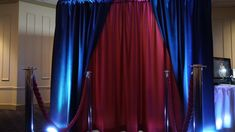 Signature Photo Booth offers photo booth rentals for weddings, corporate events & parties in the Cincinnati, Dayton, OH and surrounding Florence, KY area.