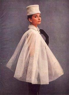 Audrey Hepburn Ballet, Audrey Hepburn Givenchy, Ballet Flats Outfit, Lace Up Ballet Flats, Audrey Hepburn Pictures, Ballet Inspired Fashion, Cape Tutorial, Wide Brim Fedora, Lace Tunic