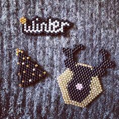 Noël approche ! À monter sur broche, pendentif... #renne #miyuki #bijoux #broche #jenfiledesperlesetjassume #perlesandco #brickstich #perle #createurfrancais #sapin #noel #reveillon #winter #motifmaryorigamy