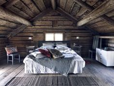 Attic slumber love this color combo and the wood <3