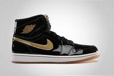 86596343b Air Jordan 1 Retro High OG Black Gold. Popular SneakersMichael Jordan  ShoesSneakers FashionNike ...