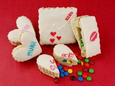 Valentine Surprise Cookies | CANDIQUIK Recipes