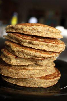 Banana Almond Oat Pancakes| GreenLiteBites no flour. Trader joes has GF oats
