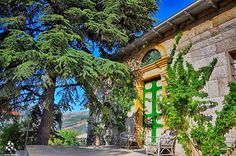 It's a beautiful morning in 💚 :) By Georges W Lebbos Big Ben, Architecture, Lebanon, Paris, Traditional Architecture, Georges, Image, Travel, Old Houses