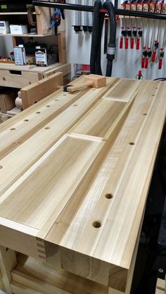Pin by David Makin on Workshop in 2020 Woodworking Ideas To Sell, Woodworking Bench Plans, Woodworking Inspiration, Woodworking Tools, Workbench Designs, Workbench Plans, Workbench Top, Diy Bench, Wood Tools