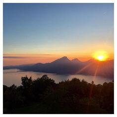 #Repost @ferabolililiana  Tramonti di fine estate #photogc #lagodigarda #lakegarda #gardasee #sunset