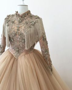 Tesettür Giyim ( 4778 Likes 61 Comments ) Trendy Dresses, Modest Dresses, Nice Dresses, Prom Dresses, Muslimah Wedding Dress, Muslim Wedding Dresses, Abaya Fashion, Fashion Dresses, Dress Brokat Modern