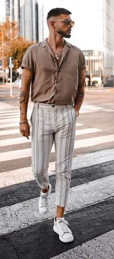 Outfit Hombre Casual, Outfits Casual, Stylish Mens Outfits, Mode Outfits, Summer Outfits Men, Elegant Summer Outfits, Formal Men Outfit, Simple Outfits, Dress Outfits