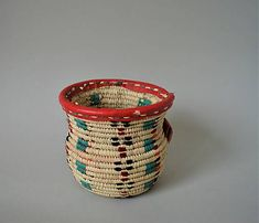 (1) Pletený palmový košík (Mekyal Siwa oasis) / Omar_Handmade - SAShE.sk Woven Baskets, Basket Weaving, Wicker Baskets, Hand Weaving, Oasis, Handmade, Decor, Decorating, Hand Knitting