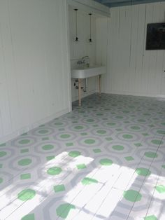 Painted and Stenciled Floor with a custom stencil from Royal Design Studio | Artist: Shannon Kaye http://shannonkaye.com/blogs/my-blog/12721237-stenciled-hexagon-floor-pattern