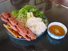 Bếp Nhà Tui: Nem Nướng Vietnamese Pork, Vietnamese Recipes, Nem Nuong, Noodles, Pasta, Chicken, Meat, Food, Macaroni Pasta