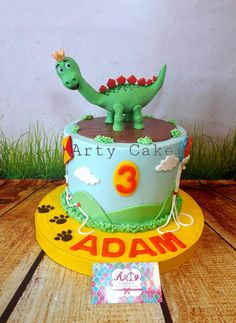 Dragon cake by Arty cakes by Arty cakes