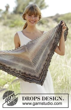 "Cafe - #Shawl with stripes and wave pattern in ""Delight"" and ""Fabel"". - Free #knitting pattern by DROPS Design"