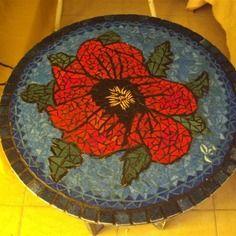 Création mosaïque: guéridon motif coquelicot en émaux de briare