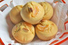 I muffin al mandarino e mandorle sono perfetti per sostituirele merendine già confezionate. Una colazione nutriente ed una merendana sana per grandi e piccoli.