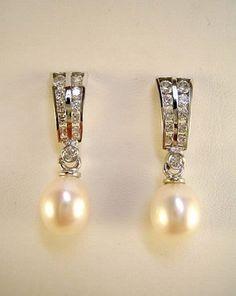 Pendiente de Novia oro blanco con perla cultivada y circonitas.