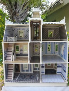 Dollhouses by Robin Carey: The Key West Island Manor Dollhouse If I ever have a granddaughter...she will have a dollhouse! I loved mine!!!