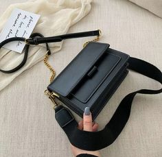 Fashion Handbags, Purses And Handbags, Fashion Bags, Mk Handbags, Style Fashion, Crossbody Messenger Bag, Mini Crossbody Bag, Leather Clutch Bags, Leather Handbags