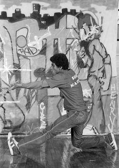 B-Boy Frosty Freeze of the Rock Steady Crew. Photo by Martha Cooper B Boy Stance, Urban Dance, Jamel Shabazz, Latina, History Of Hip Hop, Breakdance, Boys Life, Vintage New York, Street Dance