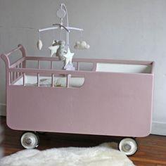 Lit roulotte / Chariot rénové - Rose rétro
