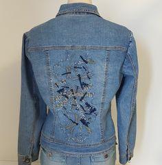Simon Chang Womens Size Petite 10 Blue Jean Jacket Embroidered Dragonflies P10 | eBay Damselflies, Love Jeans, Blue Jean Jacket, Jean Skirt, Dragonflies, Jean Jackets, Vintage Accessories, Denim, Stylish