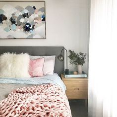Re-gram from the amazing @mintinteriordesign Such a stunning space, artwork by yours truly  #originalart #melbournestyle #home #interiordesign #melbourneartist #melbourneart #painting #mintinteriordesign #bedroom