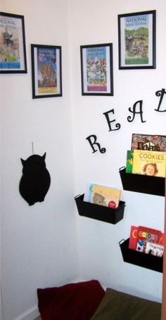 Reading Corner - LOVE this!  http://cleverhousewife.com/2012/02/pinterest-challenge-reading-corner-nominate-next-weeks-project/