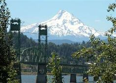 Bridge from Hood River to White Salmon, Washington Hood River Restaurants, White Salmon Washington, Hood River Oregon, Places To Travel, Places To Visit, Oregon Coast, Oregon Usa, Multnomah Falls, Columbia River Gorge