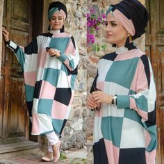 Tulum, Office Looks, Turban, Hijab Fashion, Poses, Outfits, Clothes, Hijab Styles, Long Dresses