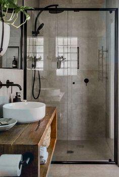 Explaining the Most Popular Decor Styles - Home Decor Design Industrial Bathroom, Industrial House, Bathroom Interior, Industrial Style, Bad Inspiration, Bathroom Inspiration, Bad Styling, Rustic Bathroom Designs, Warm Home Decor