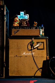 Mike Ness's amp rig Mike Ness, Sick Boy, Social Distortion, Fender Stratocaster, Post Punk, Save My Life, Music Stuff, Rigs, Cool Bands