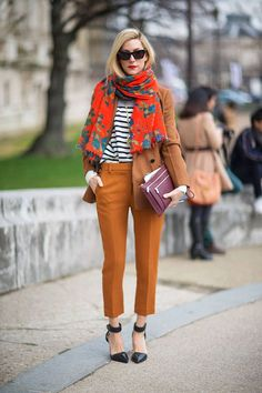 Fashion Month has officially come to an end! See all of the street style snaps from Day 7 of Paris Fashion Week here. Modern Street Style, Looks Street Style, Autumn Street Style, Autumn Style, Street Styles, Look Fashion, Autumn Fashion, Paris Fashion, Cheap Fashion