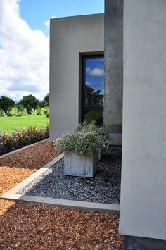 Club de Campo Las Moritas: Jardines de estilo moderno por binomio