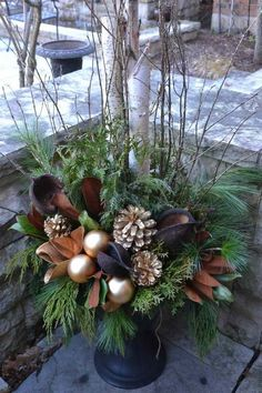 Christmas floral arrangement for table and outdoor decoration home decorations Outdoor Christmas Planters, Christmas Urns, Christmas Greenery, Christmas Flowers, Outdoor Christmas Decorations, Gold Christmas, Christmas Wreaths, Holiday Decor, Decoration Branches