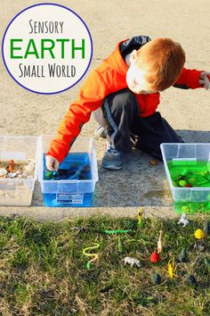 Learn about different parts of the Earth with this Earth Sensory Table and Small World
